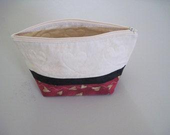 Cream/Black/Red w/hearts Zipper Bag