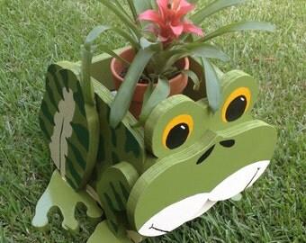 Wooden Animal Planter - Frog