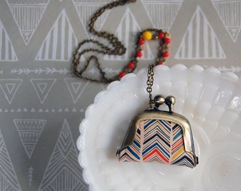 chevron stripe style coin purse necklace with bead detail- long chain - vintage modern