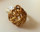 Vintage  oldstock celtic knot goldtone ring size 5 for women For Issy