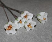 Lampwork Glass Bell Flowers Opaque White Steel Wire 20g