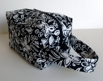 MOVING SALE - Black and White Flowers Zipper Box Knitting Project Bag