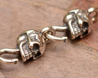 Six Skull Links in Sterling Silver AD-220