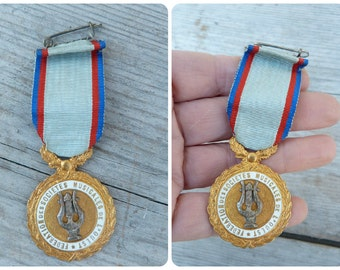 Vintage 1930/1940 old French musical medal