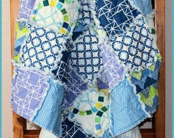 Modern Patchwork Quilt, Crib Quilt, Children's Quilt, Kid's Rag Quilt, Bedroom Decor, Baby Bedding, Nursery Decor, Handmade Toddler Quilt