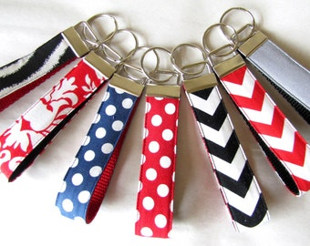 Fabric Wristlet Key Chain, Wristlet Key Fob, Shower Favor, Bridesmaid Gift, Party Favor, Friend Gift, Birthday Gift, Group Gift