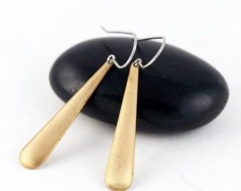 Gold Teardrop Earrings, Medium Size Brass Teardrop Earrings, Modern, Minimalist Jewelry, Dangle Earrings