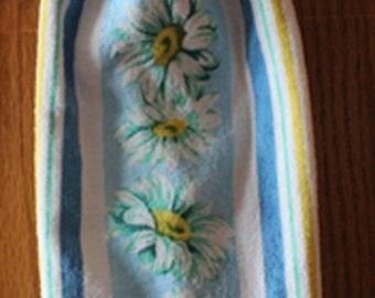 Sweet Daisies Crochet Top Hanging Towel