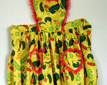 Apron with peppers theme