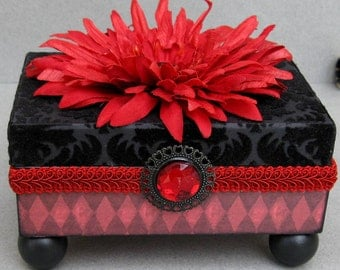Chic Red Victorian Flocked Keepsake Trinket Decorative Box
