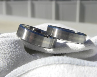 Titanium Ring SET with White Gold Inlay Stripe, Wedding Bands, Beveled Edges