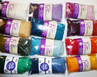 Assortment of 24 wool roving colors