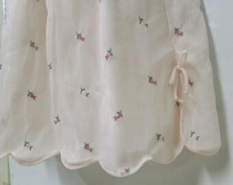 1960s Aristocraft pink chiffon half slip w tiny rosebuds size med