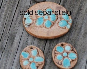 2 piece Pottery Bead Set, Little Flowers in Aqua