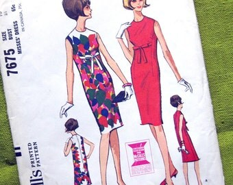 1960s Vintage Sewing Pattern - Sixties Sleeveless Sheath Dress with Bow Detail - McCall's 7475 / Size 10 UNCUT
