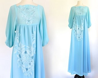 70s Embroidered Baby Blue Boho Hippie Floral Wedding Caftan Maxi Gown Dress . XS . D176. 991.6.11.15