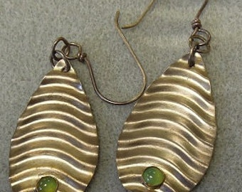 Textured Teardrop Chrysoprase earrings