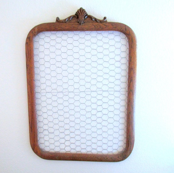 Vintage wood frame repurposed chicken wire memo board photo for Repurposed jewelry holder