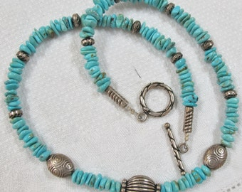Stunning Turquoise Necklace w/ Silver