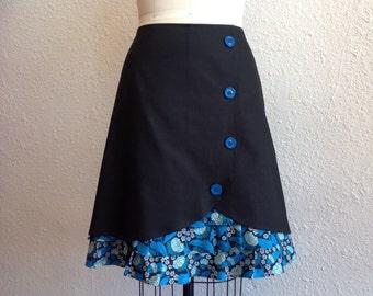 Donna ruffle front skirt Sz 14