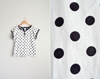 SALE // vintage '80s white POLKA DOT short sleeve oversized top. size m.