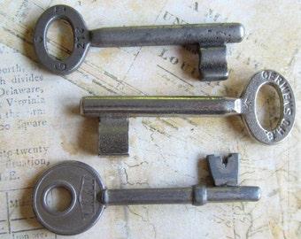Skeleton Keys - Vintage Antique keys-  Barrel keys- Steampunk - Altered art m73