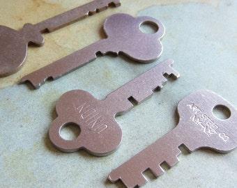 Vintage old keys- Steampunk - Altered art k8