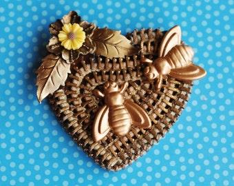 Golden Bee Recycled Vintage Zipper Brooch - Reuse - Repurpose - Zipperedheart