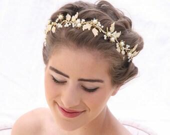Wedding Hair Vine in Gold and Ivory, Beaded Wedding Tiara with Meal Enameled leaves, Wedding Hair Jewelery