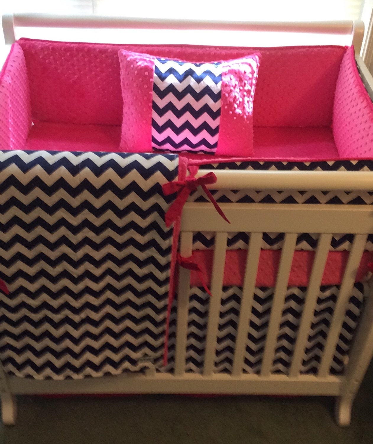 Mini Crib Bedding Set In Hot Pink And Navy