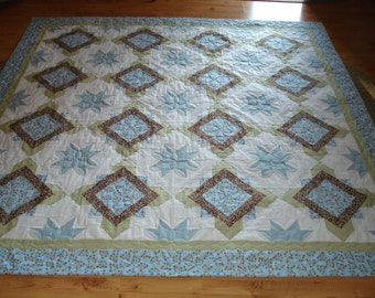 Puzzle Piece Quilt With Piano Key Border