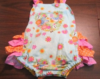 Sun suit and hat for baby girl  size 3 to 6 month