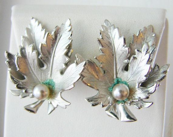 Vintage Giovanni silver maple leaf cocktail earrings with white pearl ...