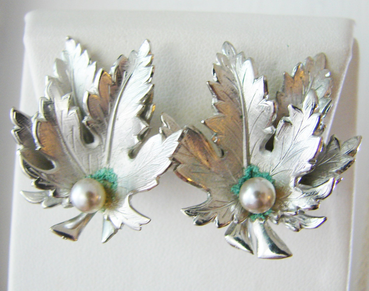 Vintage Giovanni silver maple leaf cocktail earrings by fayebella