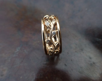 Engagement ring set with leaves. Leaf ring with diamonds. 14k yellow gold ring with leaves.