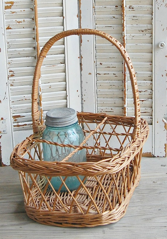 Vintage Divided Wicker Basket Wine Bottle Storage