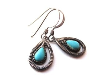 Nevada Sterling Company NV Signed Sterling Silver 925 Tear Drop Shaped Turquoise Cabochon Dangle Pierced Earrings