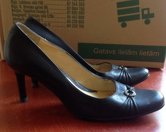 60s Black Leather Pumps Polivi Round Toe Heels US 4,5 Europe 35