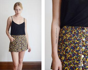 1970s Floral High Waist Shorts - 26 Waist