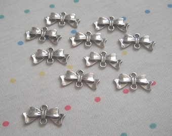 Antique Silver Bow Connector Charms, Antique Finish, Silver Bowknots, 20 mm (20)
