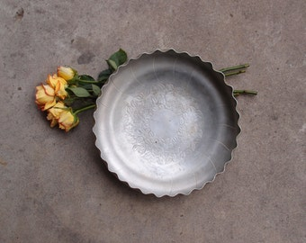 Vintage Bowl Metal Roses Aluminum Stamped Pressed Tooled Engraved Etched Scalloped Home Decor