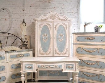 SOLD Painted Cottage Chic Shabby Romantic French Chest AQCOL