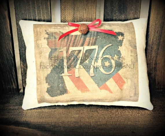 Primitive 1776 Pillow Tuck