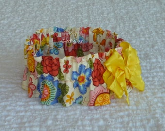 """Flowers and Butterflies Dog Scrunchie Collar with yellow bow - M: 14"""" to 16"""" neck"""