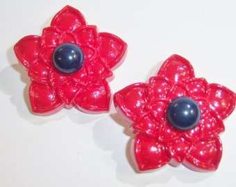 vintage large red flower clip on earrings with dark blue center 0615A
