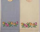 PAIR Linen Hand TOWELS 20 x 13 vintage NEW embroidered