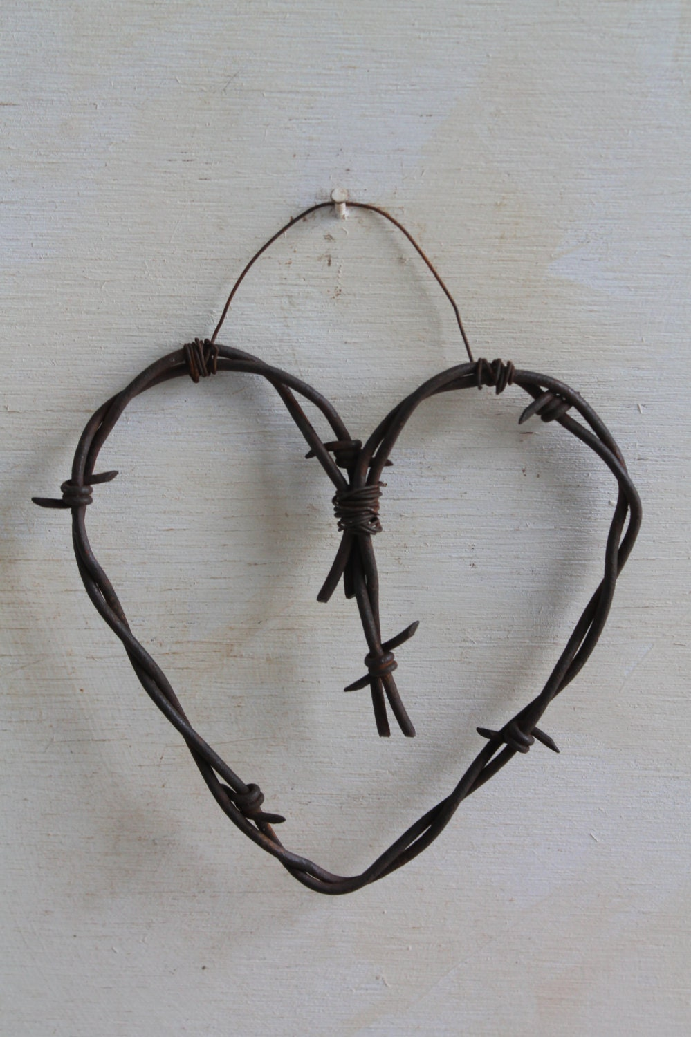 Hanging Heart Wall Decor : Small rusted barbed wire heart hanging wall decor