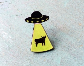 Alien Abduction Pin Cow Abduction I Want to Believe x Files Area 51 Star Trek Cosmos