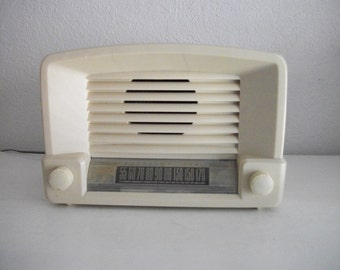Vintage General Electic Tube Radio Ivory Bakelite Works
