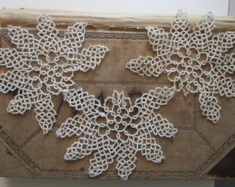 3 vintage hand tatted lace appliques - e24